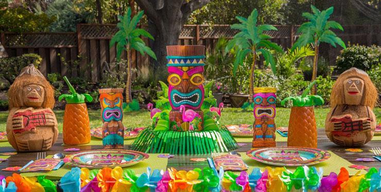 Decoração ao ar livre para festa havaiana