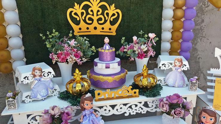 Decoração de festinha de aniversário Princesa Sofia