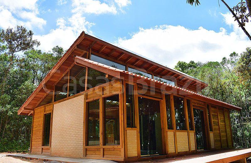 Projeto de Casa Pré-Fabricada de Madeira e Vidro