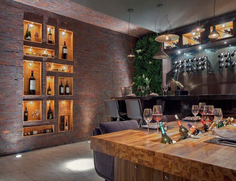 Bar de Madeira com Adega