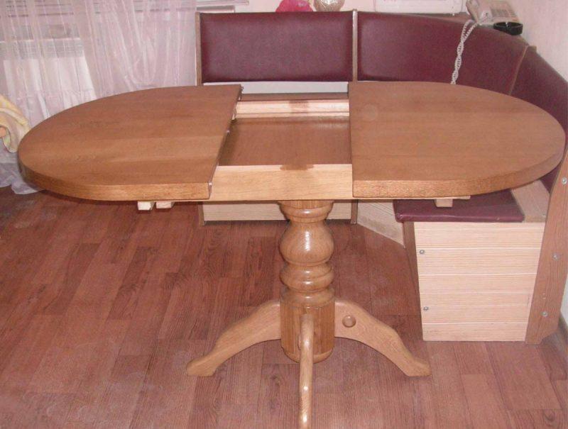 Canto com mesa redonda de abrir