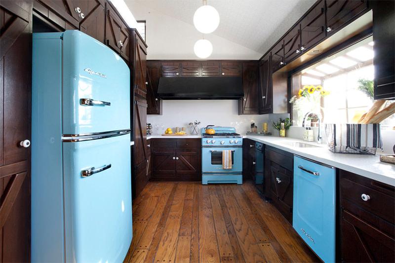 Cozinha Rústica nas Cores Marrom e Azul Bebê