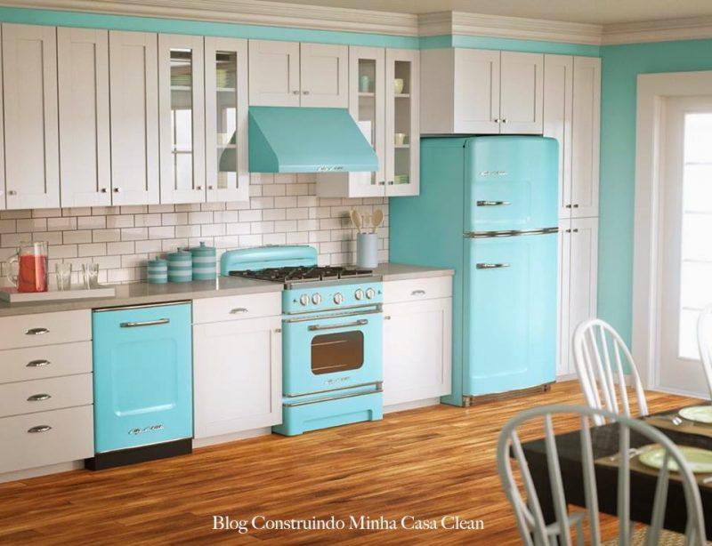 Decoração de Cozinha com Eletrodomésticos na Cor Azul Turquesa