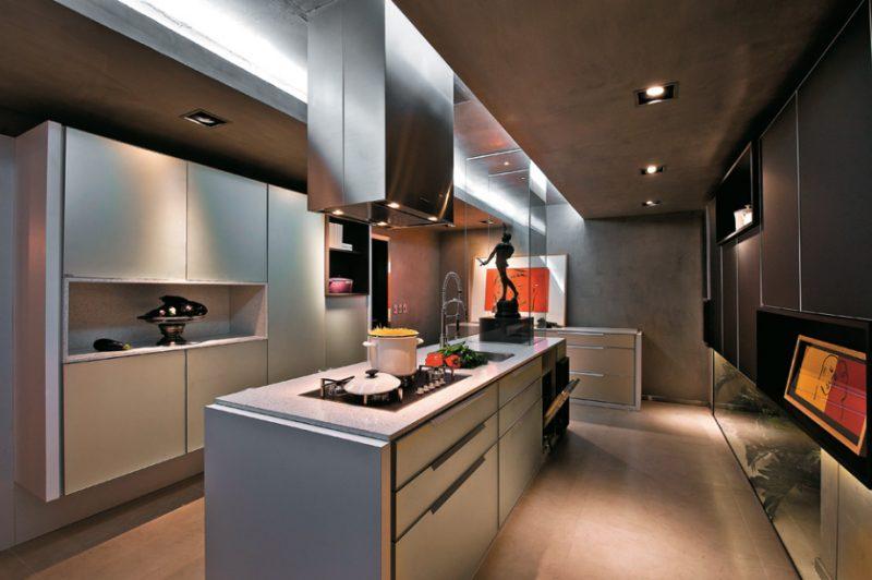 Cozinha com piso fendi