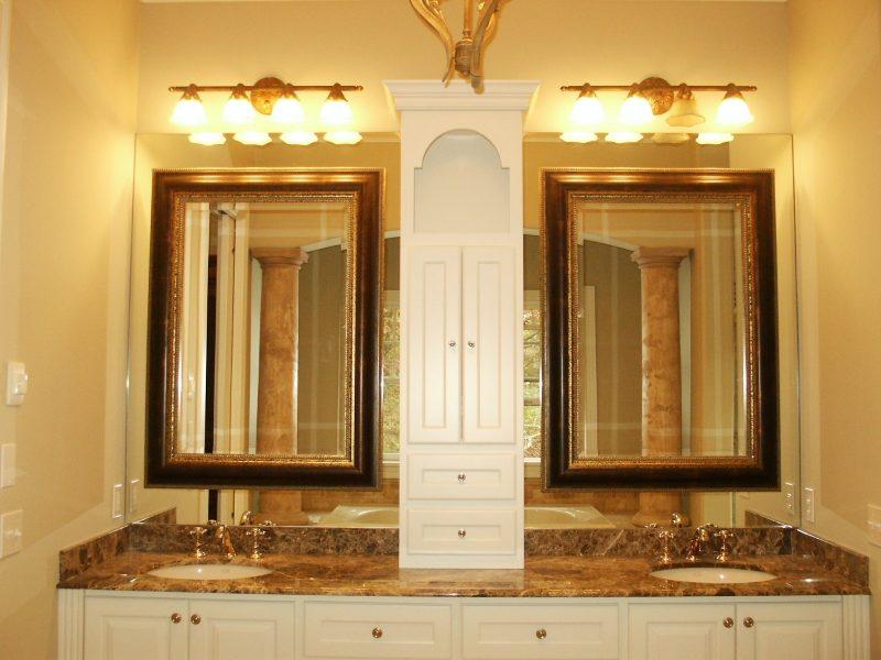 Espelho de Bronze duplo na bancada do banheiro