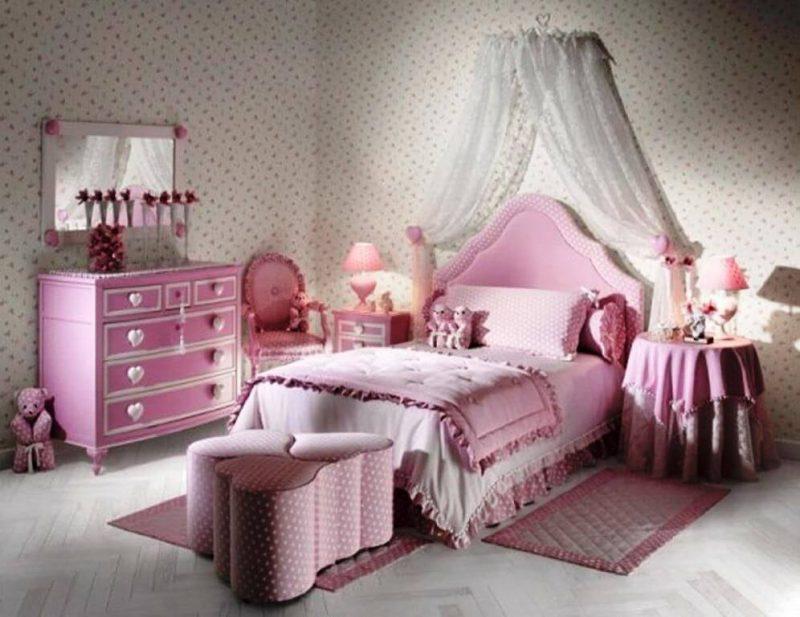 Quarto mobiliado de princesas