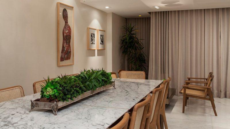 Tampo da Mesa feita com Mármore Branco Carrara