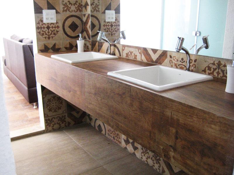 Pia de banheiro em porcelanato Madeira