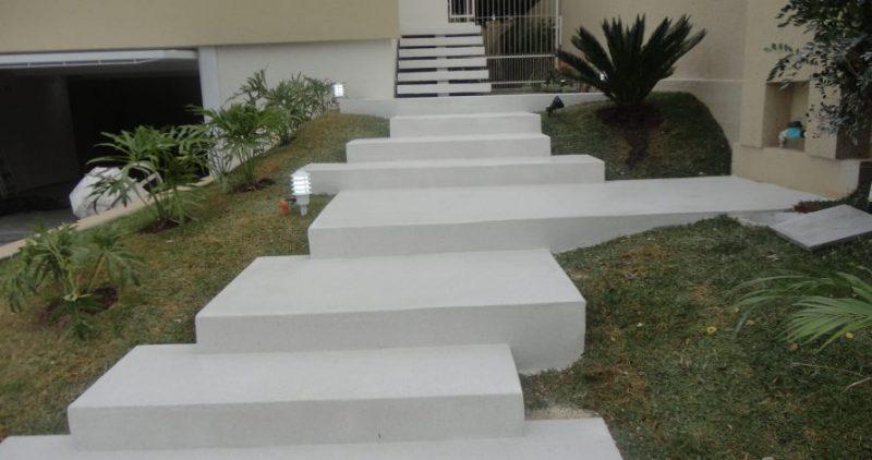 Escada com piso fulget