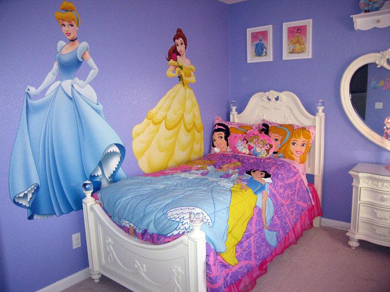 Decoração simples para quarto lilás das princesas da Disney