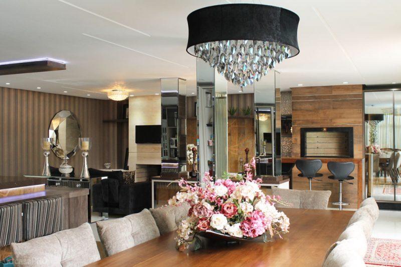 Sala de estar integrada com espaço gourmet