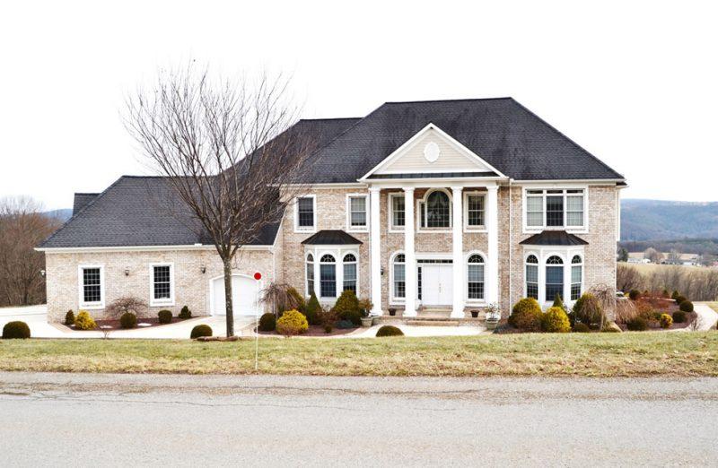 Fachada de casa linda de luxo