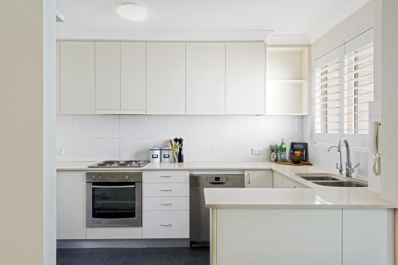 Aparador Tok Stock ~ Armario De Cozinha Planejado Para Apartamento Pequeno Foto Armario De Cozinha Planejado