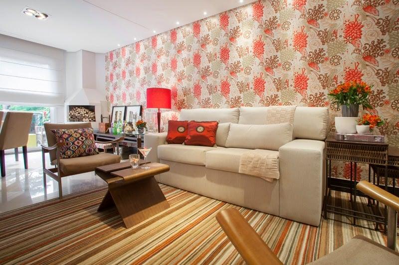 Parede de sala de estar com papel de parede