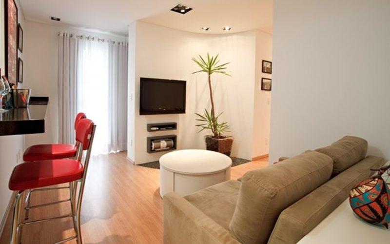 Decora o de sala pequena barata simples integrada 50 for Sala de estar funcional