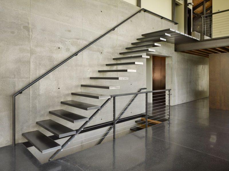 Escada De Ferro Reta Caracol Preços E Fotos Confira