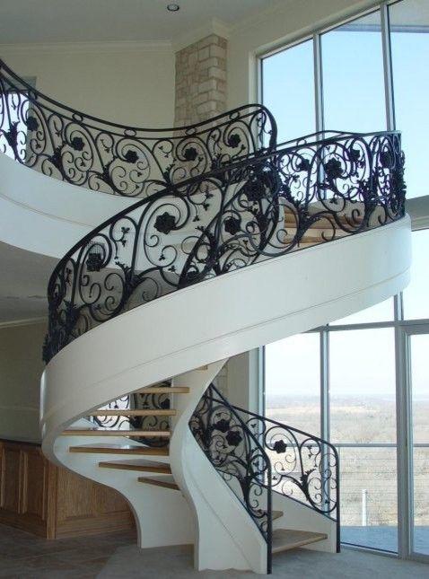 escada de ferro vazada