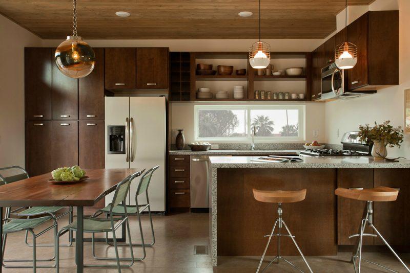 Linda cozinha de madeira