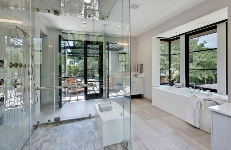 Box de Vidro em banheiro lindo