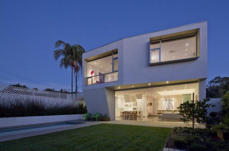 Fachada de casa linda sem telhado