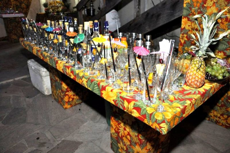 Mesa de bebidas de Festa Luau