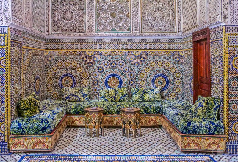 azulejo português colorido na decoração