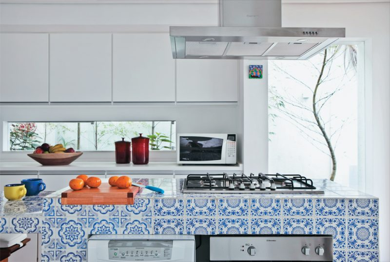 Azulejo português na decoração de cozinha