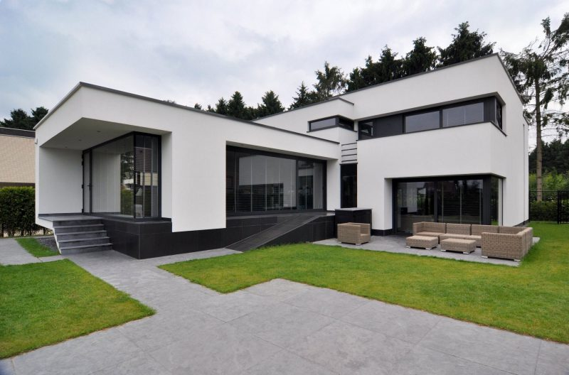 Casa estilo modernista em L