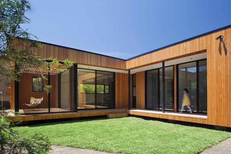 Casa de madeira em L