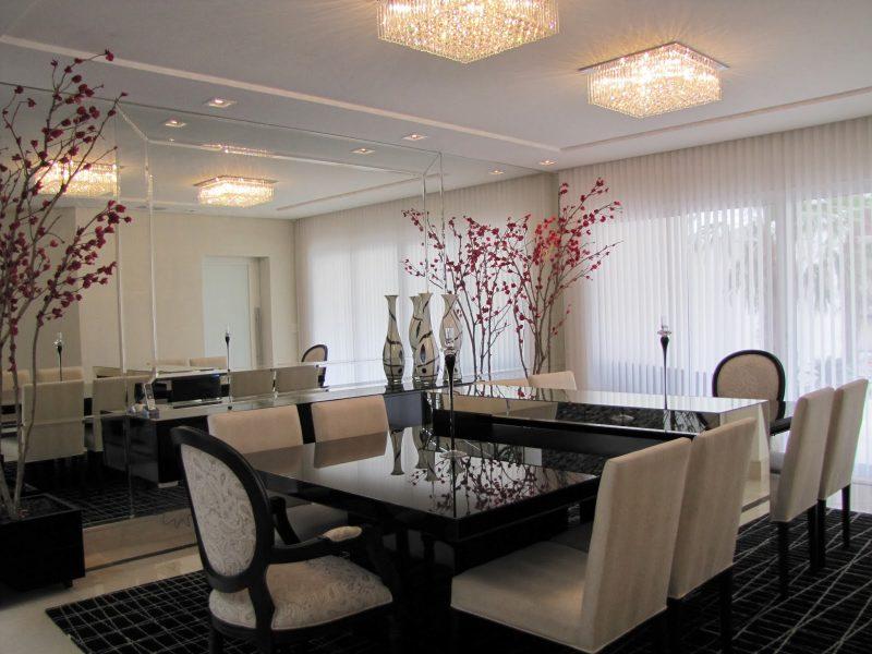 Lustre para sala de janta pequena, muito requinte e bom gosto.