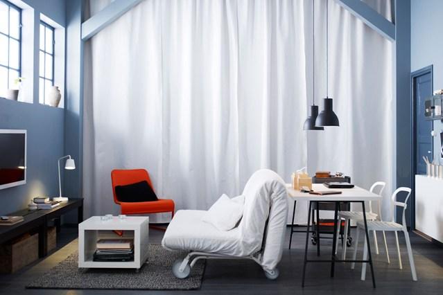 sala e escritórios integrados em ambiente pequeno