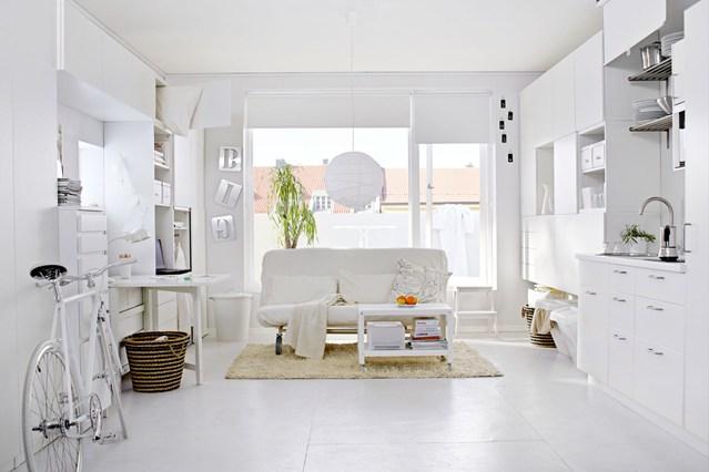 Decoração de sala branca pequena