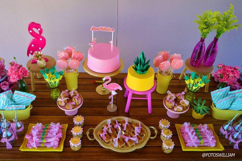 Decoração de mesa para festa Luau