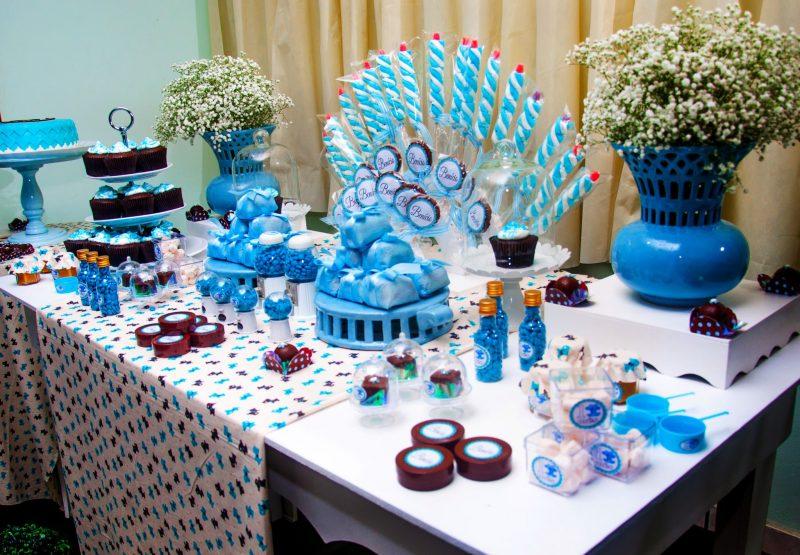 Decoração azul para Mesversário