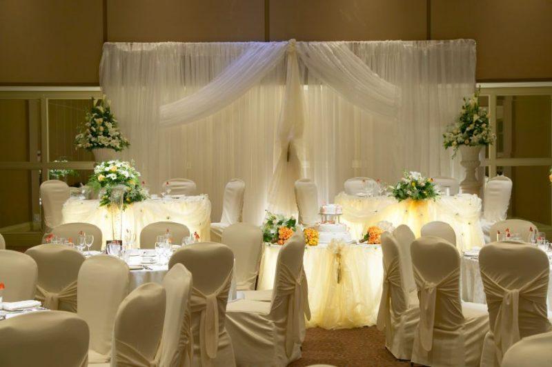decoração simples para casamento branco