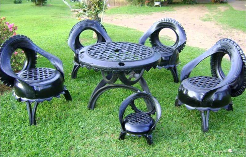 mesa e cadeira de pneu