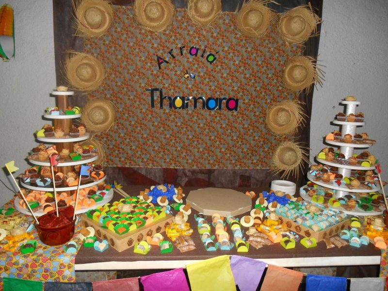Decoraç u00e3o de Festa Caipira u2192 Mesa, Bolo, Festa Infantil (CONFIRA -> Enfeites Mesa Aniversario Festa Junina