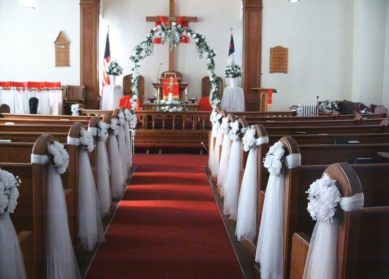 decoração de igreja para casamento