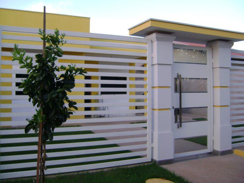 Entradas de casas moderna simples com pedras veja mais for Material piscina barato