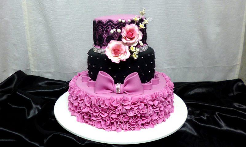 Bolo de 15 anos modelos bolos fake com pasta americana e mais modelos e fotos de bolo de 15 anos altavistaventures Images