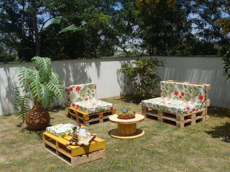 decoração com paletes jardim