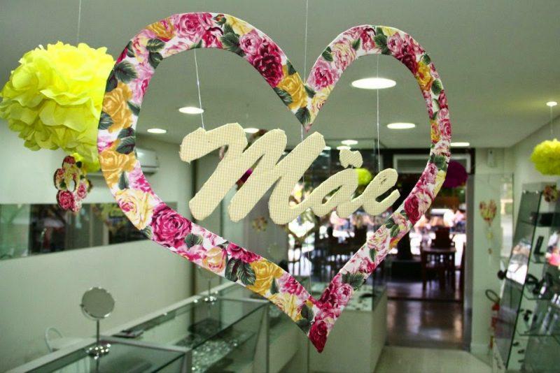 Decoraç u00e3o Dia Das M u00e3es 2020 u2192 Lembrancinha, Artesanato e MAIS!!! -> Decoração Para Loja Dia Das Mães