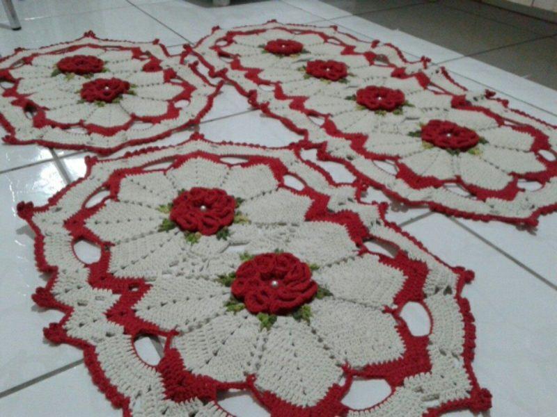 Passadeira de Crochê Com Flores