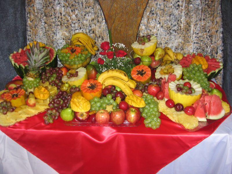 Mesa de Natal Decorada Com Frutas