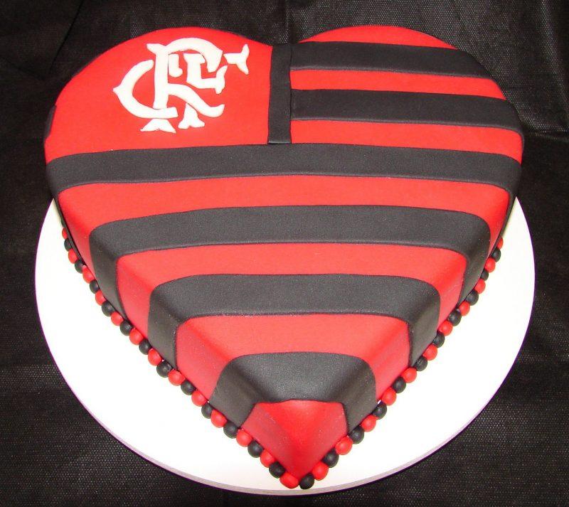 Bolo do Flamengo Simples