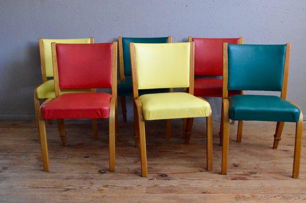 Cadeiras Coloridas de Madeiras