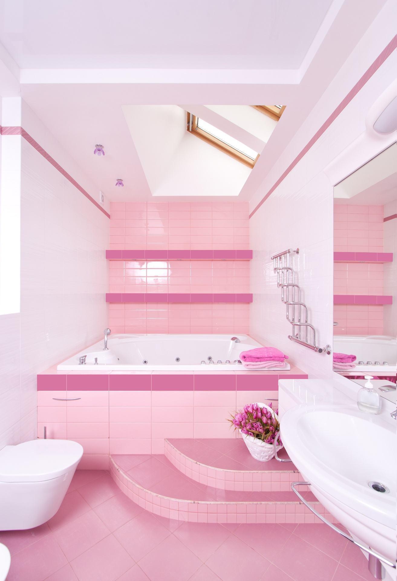 Banheiro Rosa e Branco