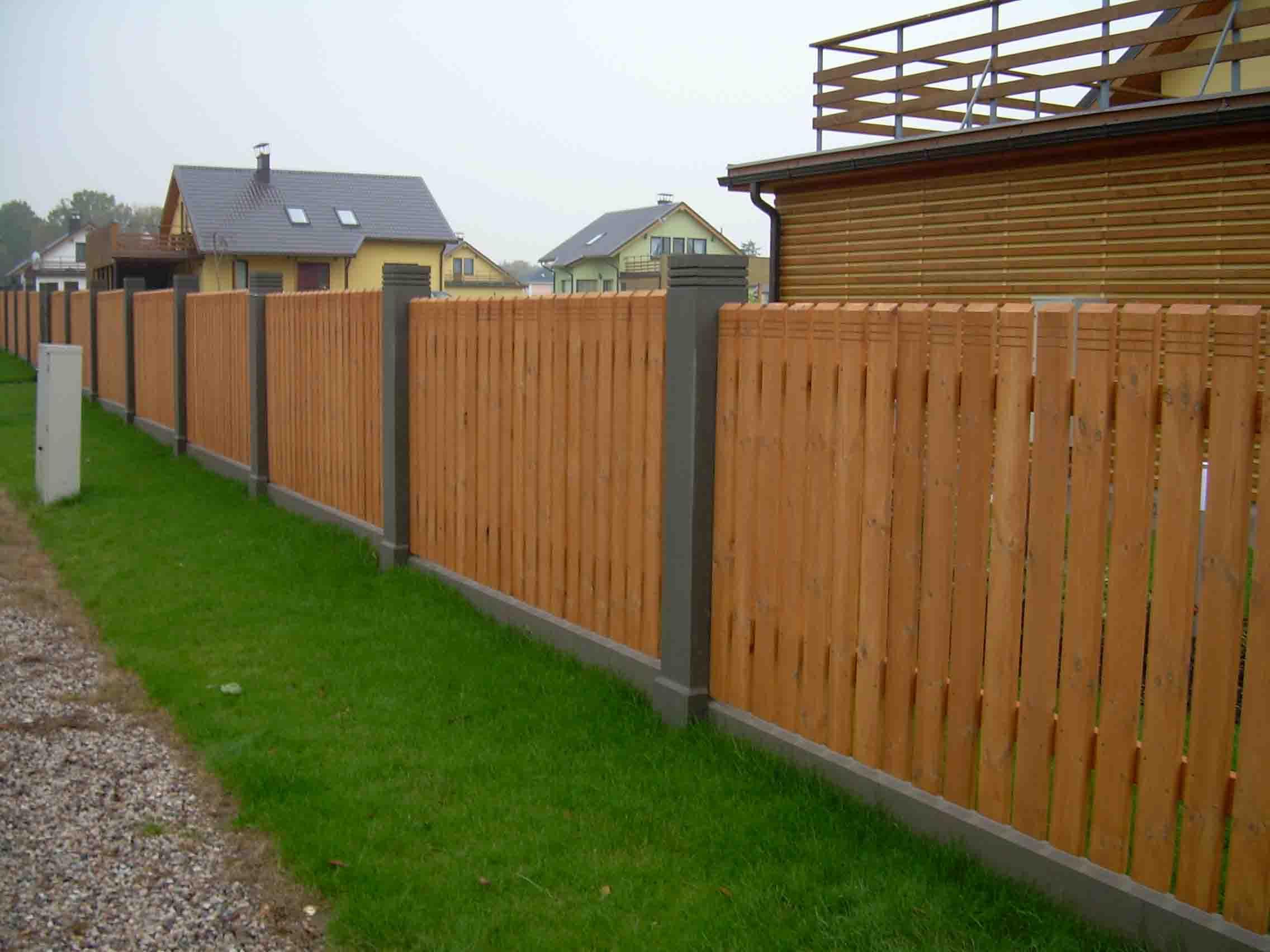 cerca de madeira para jardim
