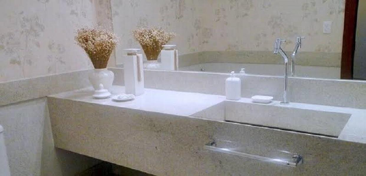 Granito Branco Itaúnas no Banheiro