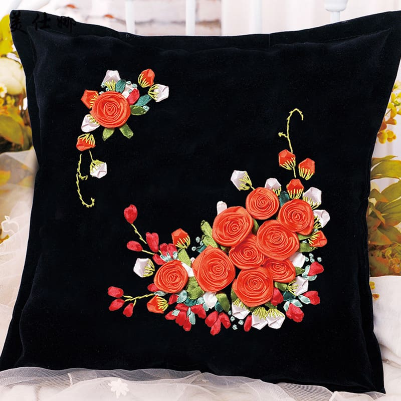 Bordado em Fita Com Flores